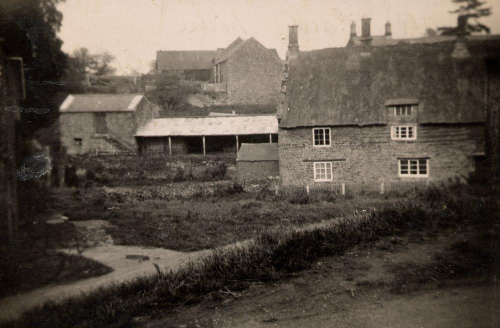 Simcoes Farmhouse
