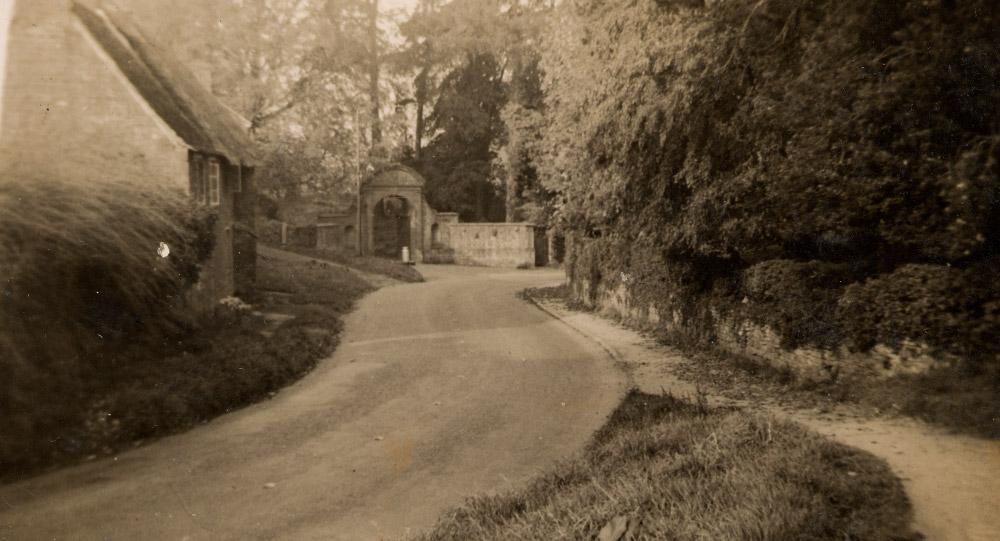 The gateway to Wardington House